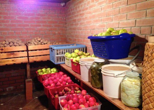 hranenie ovoshhej urozhaja balkone mesto temperatura 5