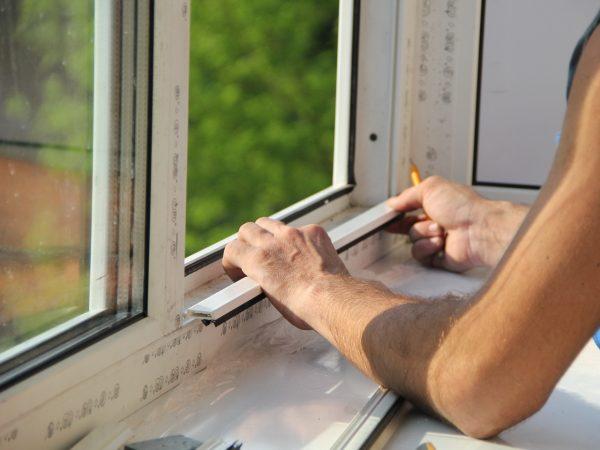 правильно вставить пластиковое окно