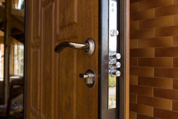 zamok vxodnoj dveri