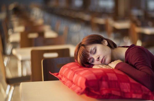 Sekrety produktivnogo sna kak vyspatsya za korotkoe vremya Dnevnoj son