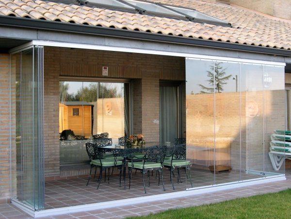 razdvizhnye steklyannye dveri dlya verandy terrasy besedki 1
