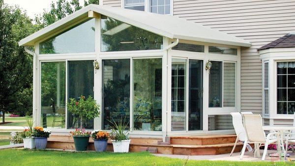 veranda k domu s plastikovymi oknami osobennosti konstrukcii