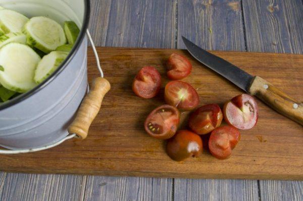 salat na zimu v korejskom stile s ogurcami i cukkini 4