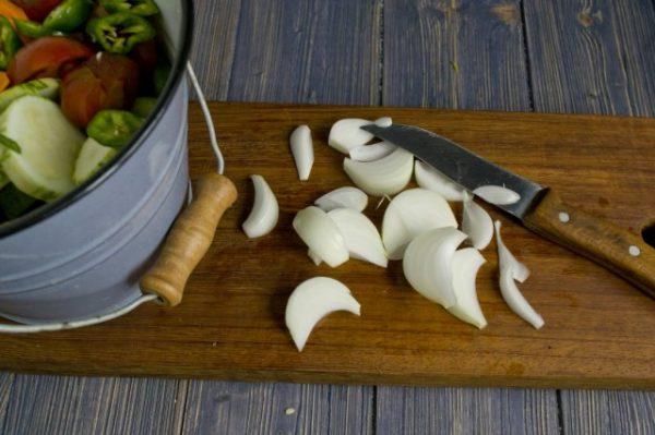 salat na zimu v korejskom stile s ogurcami i cukkini 7