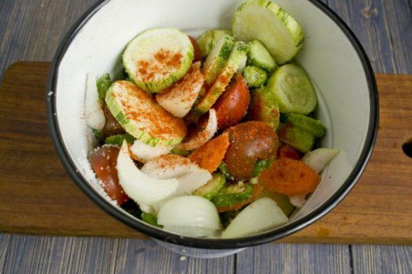 salat na zimu v korejskom stile s ogurcami i cukkini 8