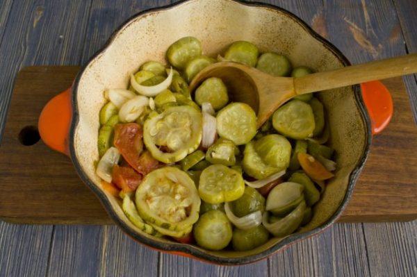 salat na zimu v korejskom stile s ogurcami i cukkini 9