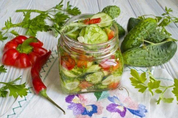 Salat iz ogurtcov s pertcem 04 640x426