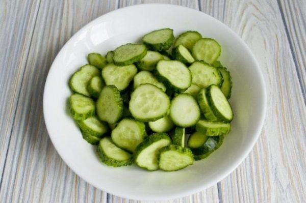 Salat iz ogurtcov s pertcem 05 640x426
