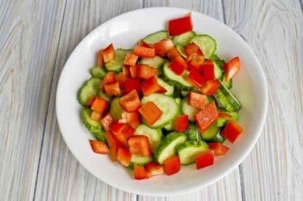 Salat iz ogurtcov s pertcem 06 640x426