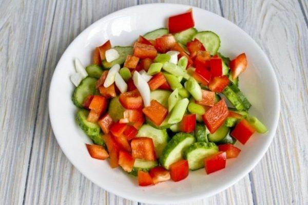 Salat iz ogurtcov s pertcem 07 640x426