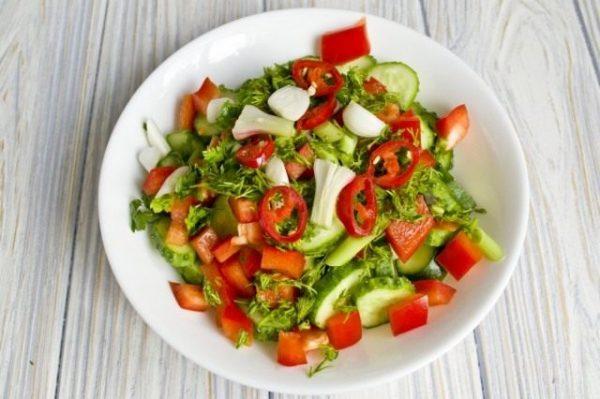 Salat iz ogurtcov s pertcem 09 640x426