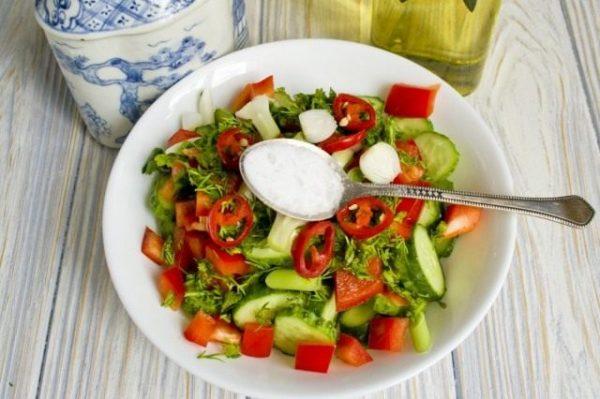Salat iz ogurtcov s pertcem 10 640x426