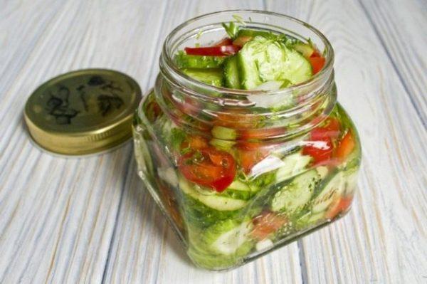 Salat iz ogurtcov s pertcem 11 640x426