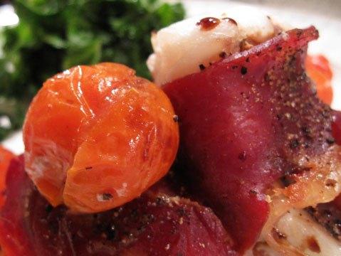 Запекаем рыбку в духовке с прошутто: несложный рецепт для активных хозяев