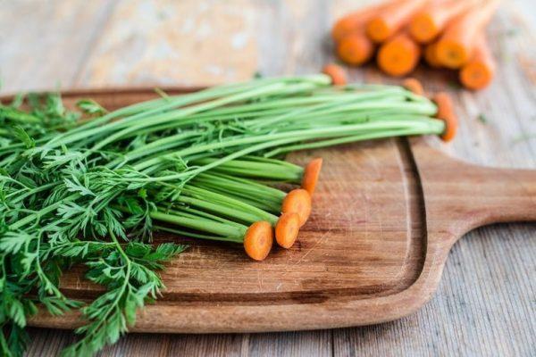 Веточки моркови