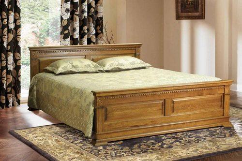 Особенности кровати из массива в интерьере спальни