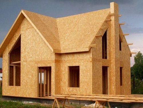 Что такое СИП панели и их особенности применения в строительстве дома